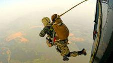 Lịch Sử Chiến Tranh Đội đặc công chống khủng bố Dĩ bất biến, Ứng vạn biến
