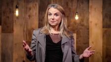 TED Talks Bí Quyết Để Ham Muốn Trong Một Mối Quan Hệ Lâu Dài - Esther Perel Con Người