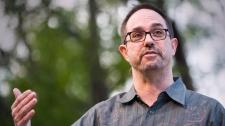 TED Talks Phá Vỡ Sự Yên Lặng Cho Những Người Sống Sót Sau Tự Sát - Jd Schramm Con Người