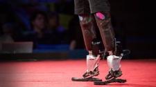 TED Talks Công Nghệ Sinh Kỹ Thuật Cho Chúng Ta Cơ Hội Chạy, Leo Núi Và Khiêu Vũ - Hugh Herr Công Nghệ Sinh Học - Y Tế - Sức Khỏe