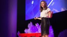 TED Talks Quên Chuyện Mua Sắm Đi, Chẳng Mấy Chốc Bạn Sẽ Tải Được Quần Áo Mới Về - Danit Peleg Công Nghệ Thông Tin